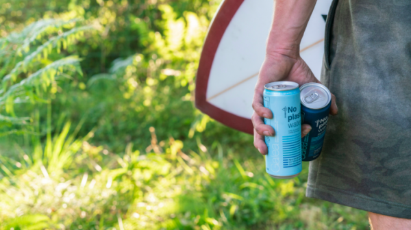 Aluminium cans while surfing